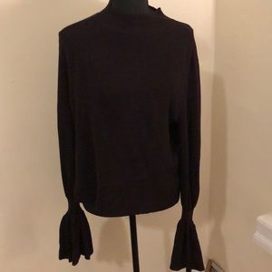 H&M knit top with flare sleeve